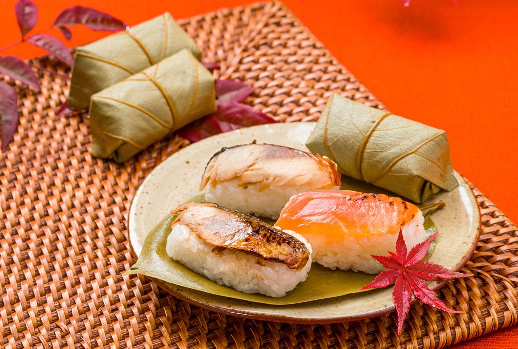 秋の柿の葉寿司